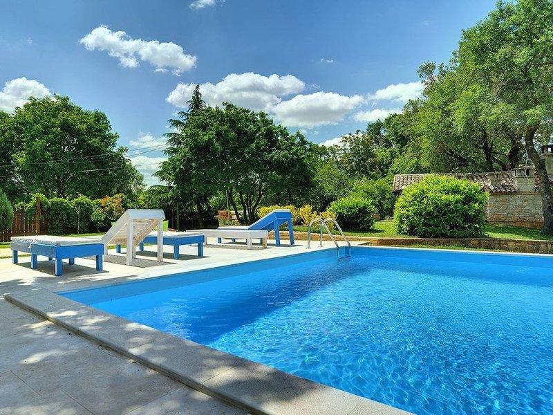 Ferienhaus Rojnici für 1 - 16 Personen mit 6 Schlafzimmern - Villa, holiday rental in Foli