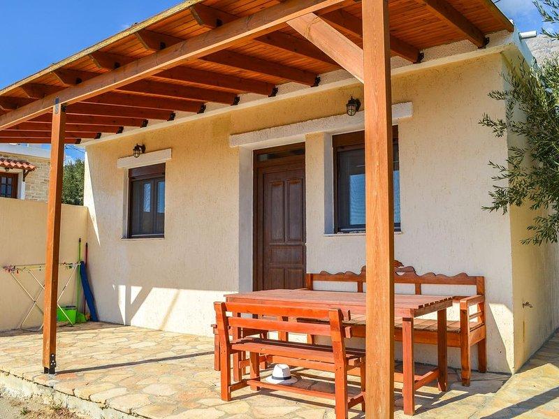 Ferienhaus im Grünen mit Pool, nahe zum Meer, Wifi | Triopetra, Kreta, location de vacances à Xilokampos