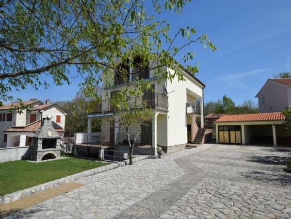 Ferienwohnung Malinska für 4 - 5 Personen mit 2 Schlafzimmern - Ferienwohnung, location de vacances à Sveti Anton