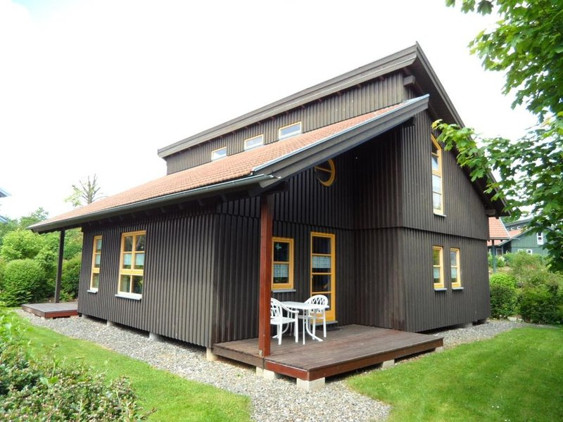 Ferienhaus Waldmünchen Td 50 bis 4 Pers (6d) WLAN und Erlebnisbadnutzung inkl, holiday rental in Treffelstein