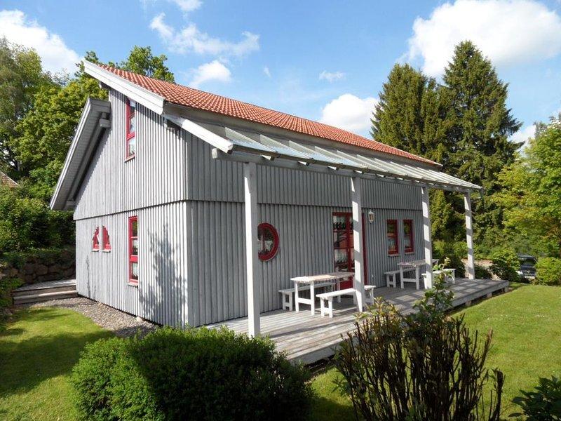 Ferienhaus Waldmünchen Tc 100qm bis 8Pers (15c) WLAN und Erlebnisbadnutzung inkl, holiday rental in Treffelstein