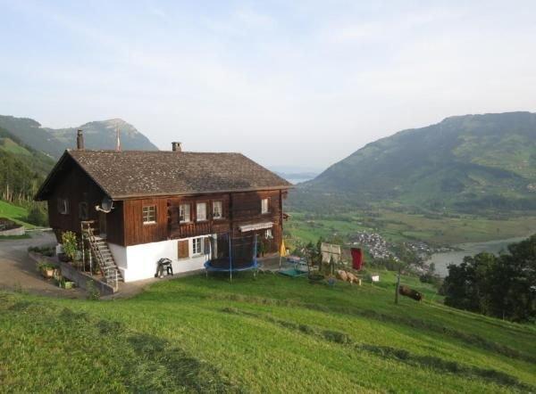 Ferienwohnung Lauerz für 4 - 5 Personen mit 2 Schlafzimmern - Ferienwohnung in B, vacation rental in Gersau