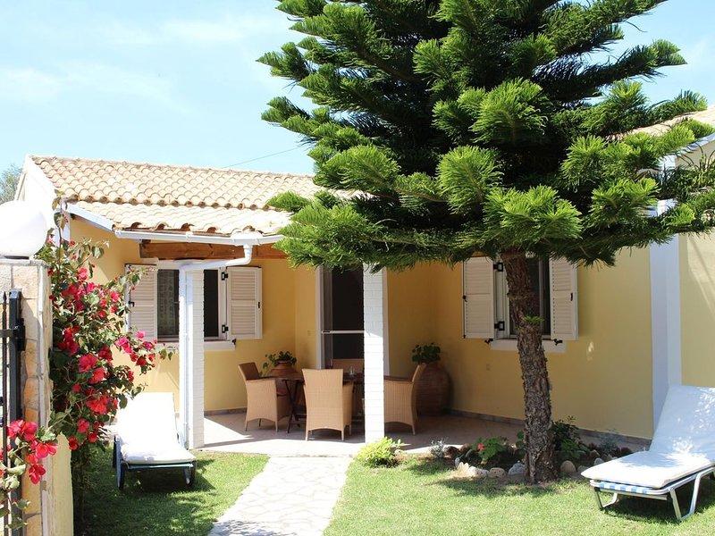 Freistehendes Ferienhaus mit Garten am Meer, Wifi | Skidi, Korfu, holiday rental in Agios Matthaios