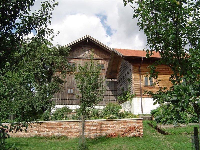 Ferienwohnung Kröning für 1 - 6 Personen mit 2 Schlafzimmern - Ferienwohnung, holiday rental in Landshut
