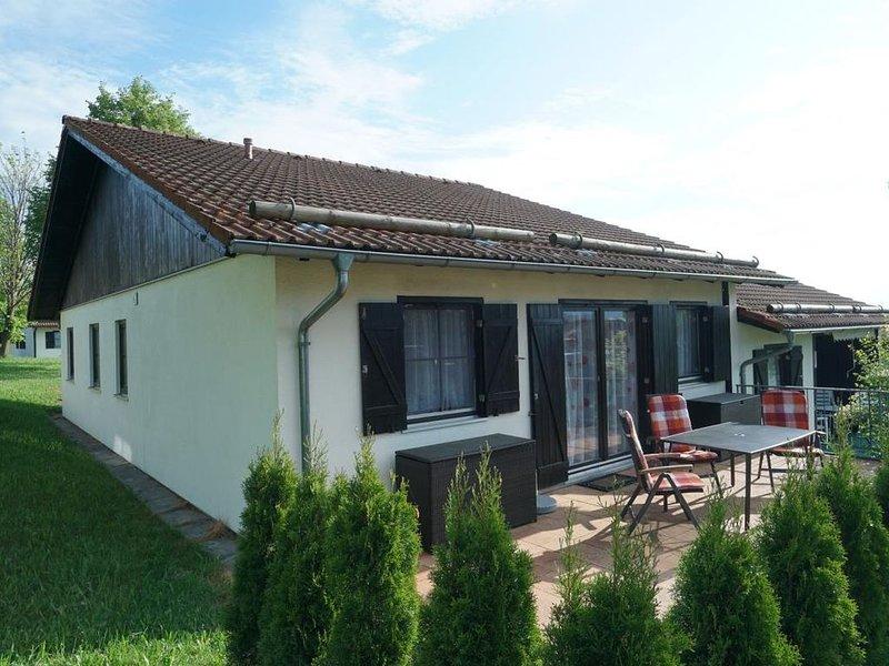 Ferienhaus Lechbruck Hochbergle 87qm bis 8 Pers. Sauna und Internet inkl, holiday rental in Steingaden
