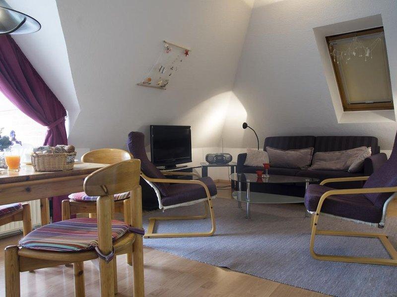 LuM23 - Komfortable und gemütliche Ferienwohnung für 4 Personen mit 2 Balkonen, casa vacanza a Duhnen