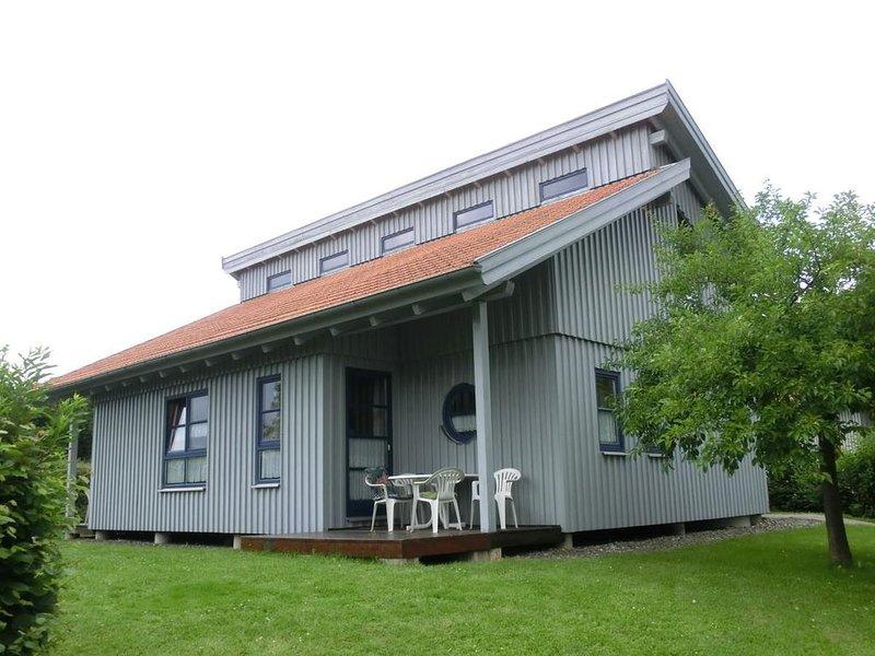 Ferienhaus Waldmünchen Tb1 50qm bis 4 Pers (9b) WLAN und Erlebnisbadnutzung inkl, holiday rental in Treffelstein