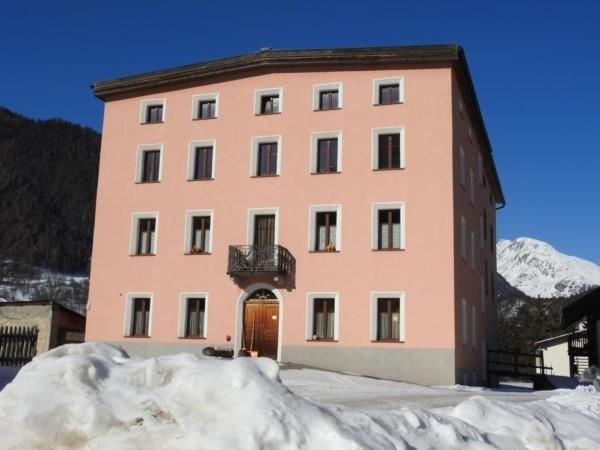 Ferienwohnung Zernez für 2 - 5 Personen mit 3 Schlafzimmern - Ferienwohnung in B, vacation rental in Engadin St. Moritz
