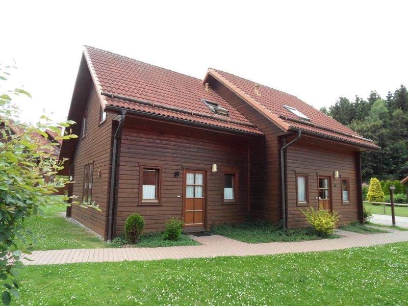 gemütliches Holzferienhaus im Harz, 2 Schlafzimmer, 2 Bad/WC, 6 Pers, vacation rental in Rubeland