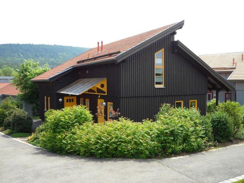 Ferienhaus Waldmünchen Ta2 70qm bis 6 Pers (6a) WLAN und Erlebnisbadnutzung inkl, holiday rental in Treffelstein