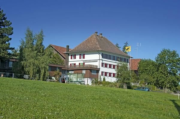 Ferienwohnung Hallau für 7 Personen mit 2 Schlafzimmern - Ferienwohnung, holiday rental in Neuhausen am Rheinfall