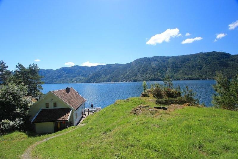 Ferienhaus in ruhiger Lage mit Panoramaaussicht auf den Fjord, holiday rental in Rogaland