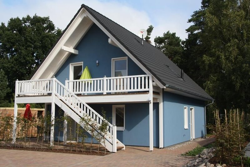 Charmante Ferienwohnung mit Badewanne & Sauna in Roebel/Mueritz, location de vacances à Roebel