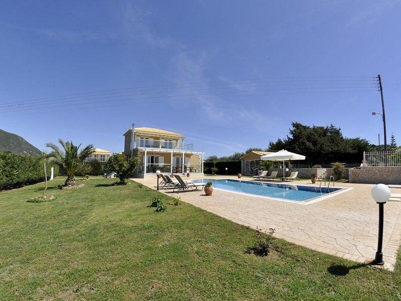 Großes Ferienhaus mit Garten und Pool, Wifi, Halikounas, Korfu, alquiler vacacional en Halikounas