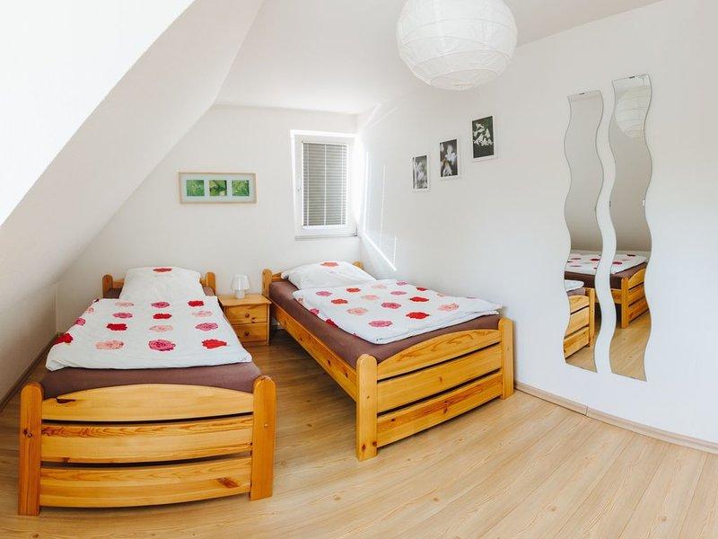Ferienwohnung, 68qm. 1 Schlafzimmer, max. 4 Personen, vacation rental in Umkirch