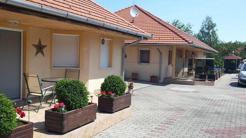 Ferienhaus Balatonberény für 1 - 7 Personen - Ferienhaus, casa vacanza a Vonyarcvashegy