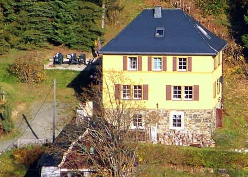 Ferienhaus Klingenthal für 1 - 9 Personen mit 4 Schlafzimmern - Ferienhaus, aluguéis de temporada em Falkenstein
