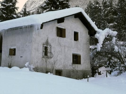 Ferienhaus Sent für 6 - 12 Personen mit 5 Schlafzimmern - Ferienhaus – semesterbostad i San Valentino alla Muta