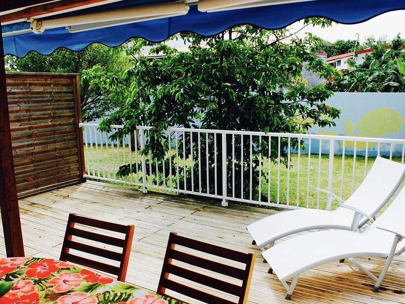 Villa Bougainvillier, Loft cocooning 'Locean', au bord de l'eau, holiday rental in La Pagerie