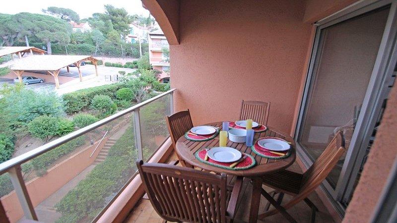 Appartement triplex 4 personnes - Centre ville - Proche plage - Sainte Maxime, Ferienwohnung in Ste-Maxime