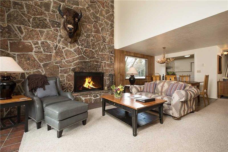 RMR: Classic 3 Bedroom in Teton Village, vacation rental in Jackson