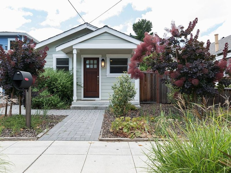 Downtown Mountain View, Perfect for G0ogel, vacation rental in Sunnyvale