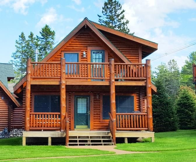 MACKINAW CITY area- LAKE HURON - charming log cabin, holiday rental in Cheboygan County
