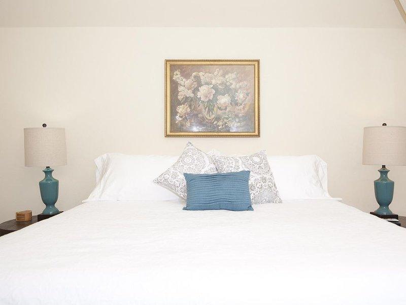 The Natchez Pearl - Monica's Room, holiday rental in Natchez