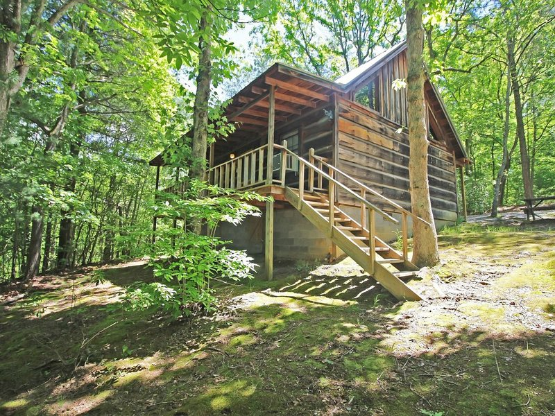 The Cabins at Copperhill - Cabin #4, vacation rental in Ducktown