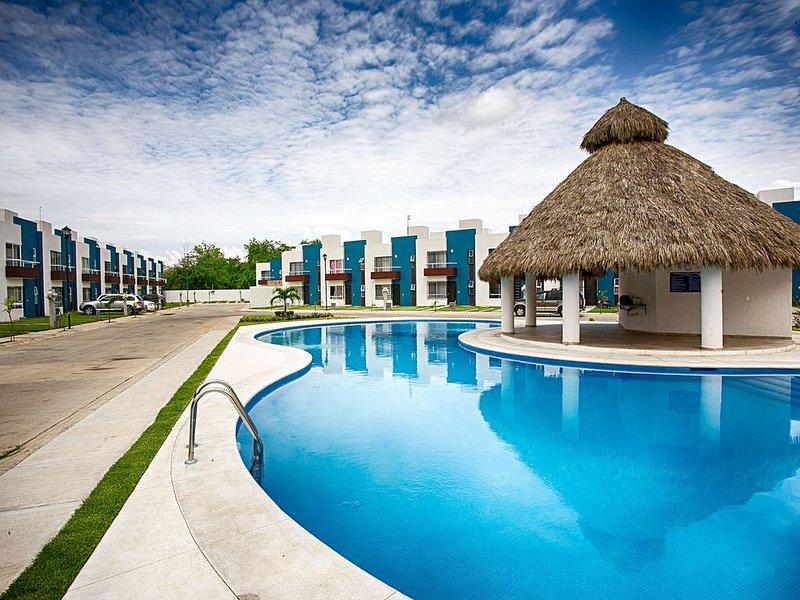 3 bedroom home, at the best rate!, location de vacances à Mezcales