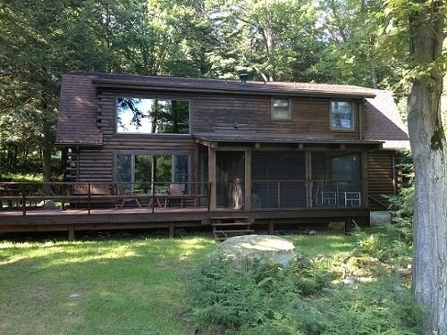 'Timber Acres' is nestled in the woods with private pond in Eagles Mere, location de vacances à Eagles Mere