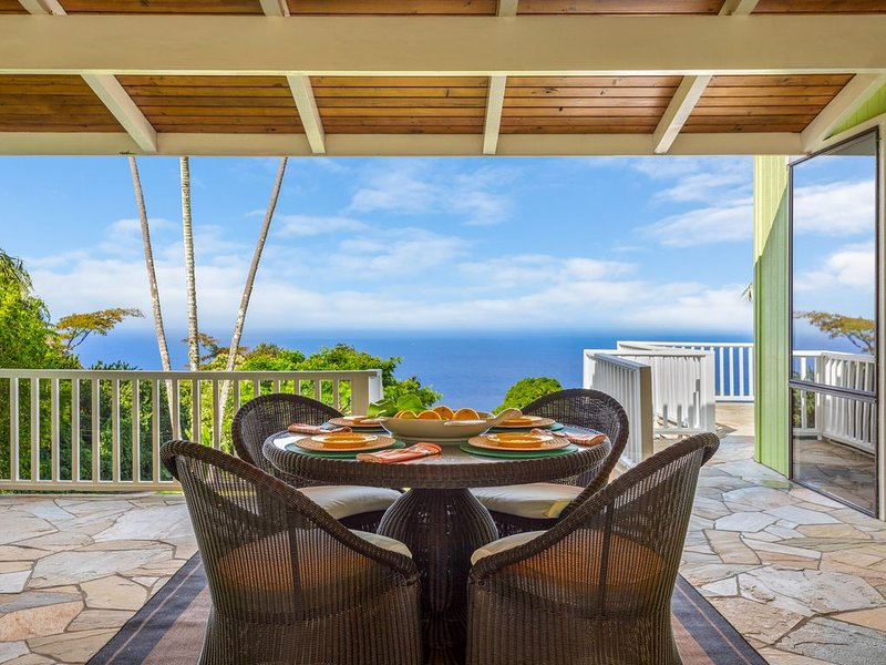 Kona Coast Original Beach Boys 9.5 acre Estate, Pool and Amazing Ocean Views, location de vacances à Captain Cook