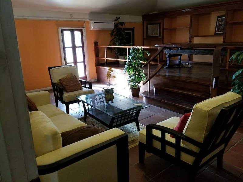 Spacious Apartment in Historic Landmark Building in Heart of Downtown St. Thomas, holiday rental in Water Island