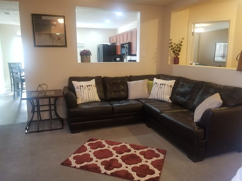 Cozy Home In Gated Community – 9 Miles To Airport, holiday rental in Albuquerque