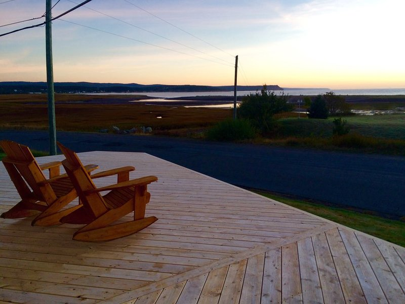 Charming Shipbuilder's House Located on the Coast of the Mighty Bay of Fundy, aluguéis de temporada em Gardner Creek