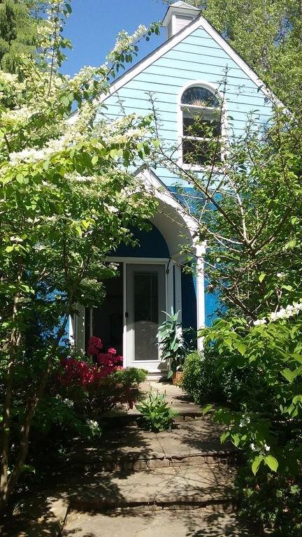 Circle Cottage