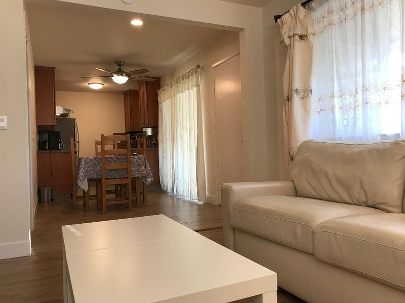 New 2Bd/1Ba Apartment for Business and Vacation. Super location!, alquiler de vacaciones en Cupertino