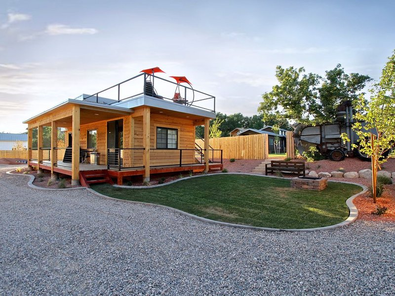 The Escape (#6 Tiny House), vacation rental in Mount Carmel