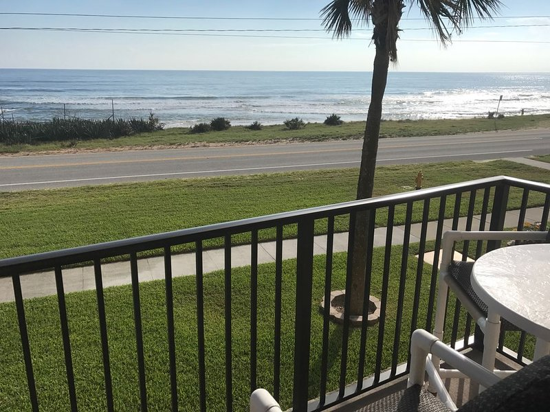 Beautiful ocean view from the balcony!