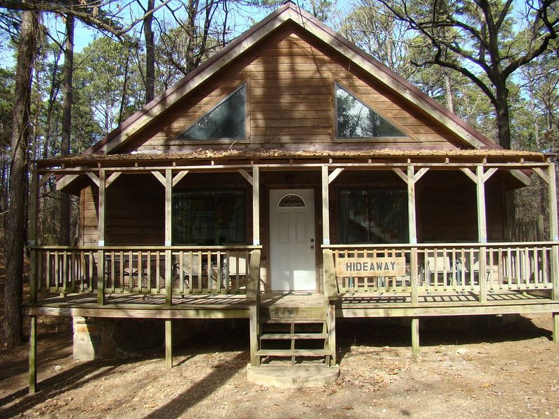Economy Cabin Near Beavers Bend State Park, holiday rental in Broken Bow