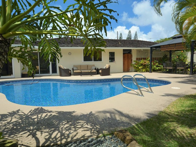 Beautiful Kailua Home, looking for a family to share it's Aloha, holiday rental in Waimanalo