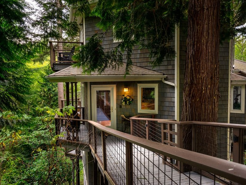 New Listing Guemes Island 'Tree House', vacation rental in Anacortes
