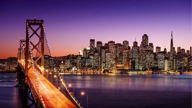 A Bay Bridge e San Francisco estão a cerca de uma hora do Bunkhouse