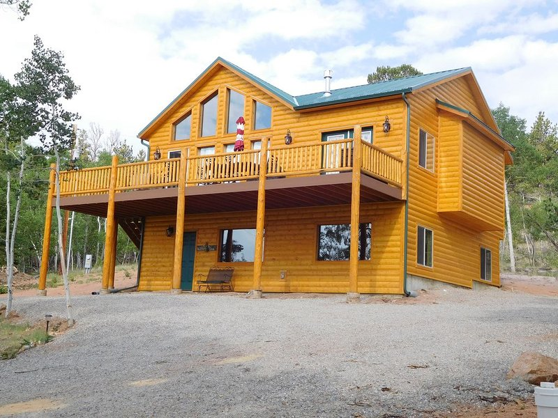 Secluded mountain cabin in the woods, holiday rental in Jefferson