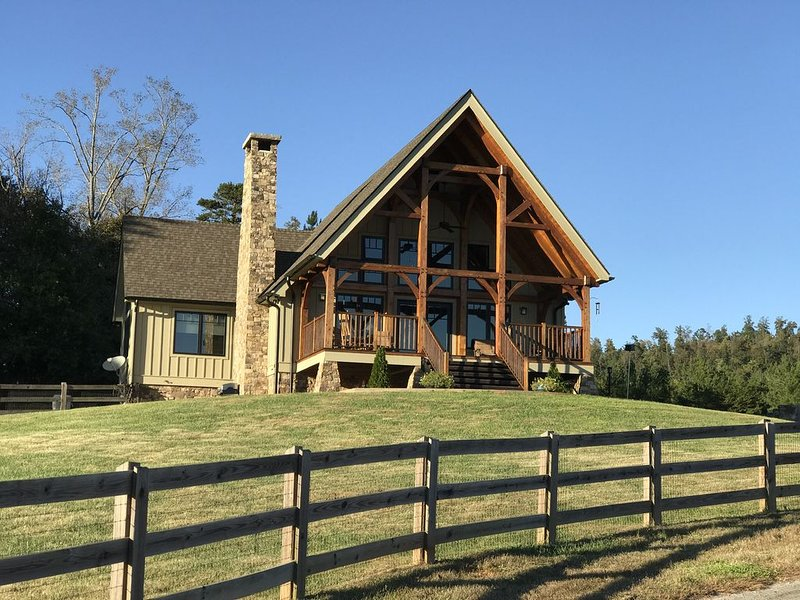 Farm Stay in beautiful Timber Frame House in the Foothills of W. North Carolina, vacation rental in Vein Mountain
