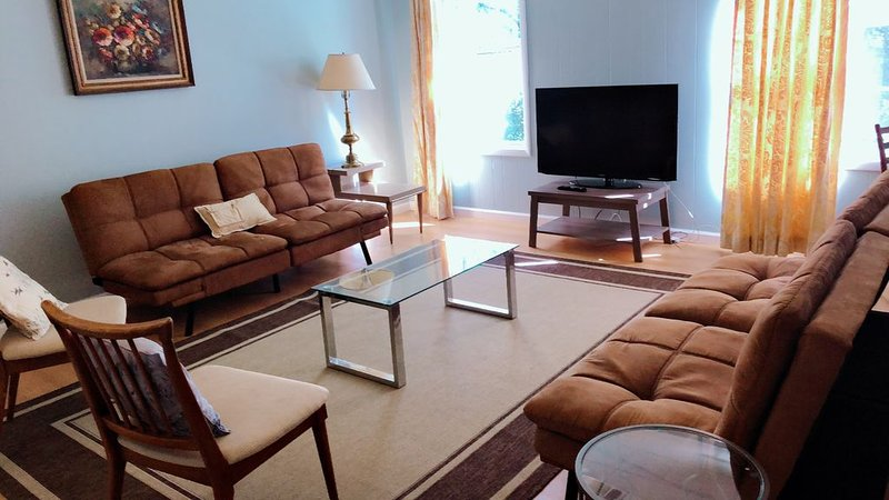 Historic Schoolhouse Retreat, holiday rental in Cheviot