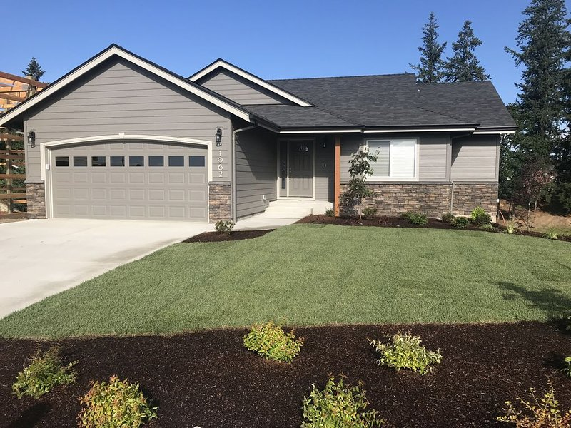 Keizer Country Guest Home,  Modern Solar Powered, holiday rental in Brooks