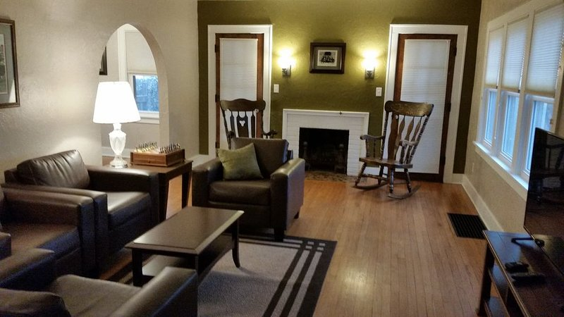 Historic Charm - Short Walk to Purdue!, holiday rental in West Lafayette