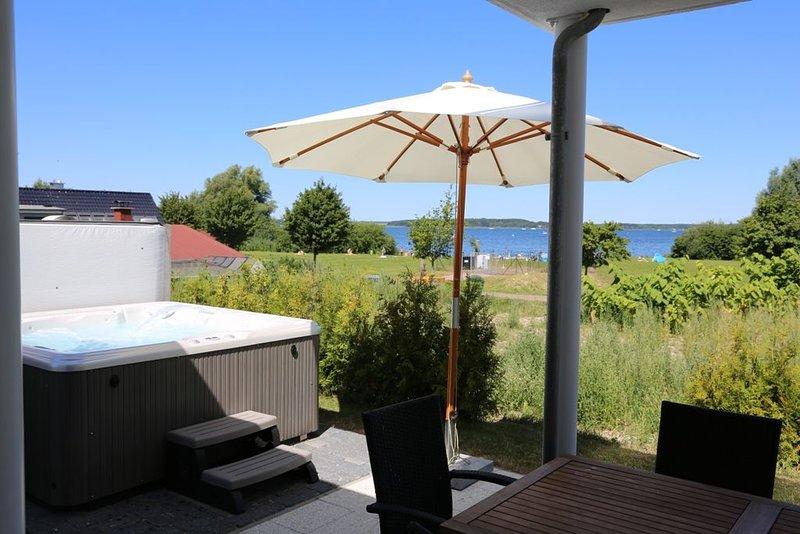 Villa Strandperle, Seesicht, Außen-Whirlpool, Sauna, Kamin & Sky - 40 m zum See, holiday rental in Silz