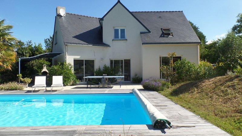 Villa contemporaine avec piscine chauffée  proche plage, location de vacances à Piriac-sur-Mer